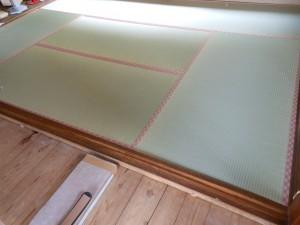 2階和室の新調畳の敷き込み