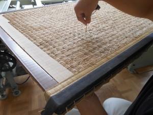 畳床の補修をしている所