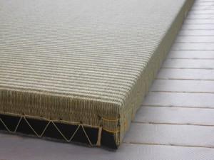 イ草の縁なし畳