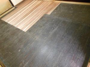 一部交換した床板