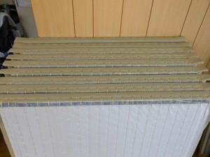 製造途中の半畳縁なし畳