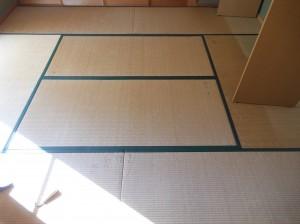 8畳の居間