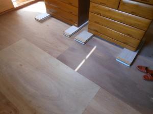 床板掃除後の和室