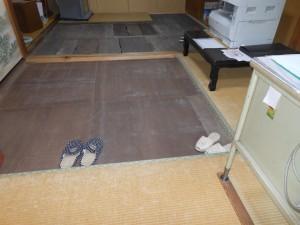 畳を上げた部屋