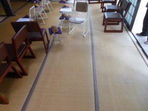 お寺の本堂の畳