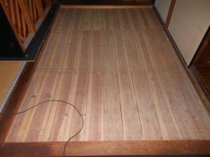 畳を引き上げた後の3畳