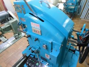 畳を製作する機械