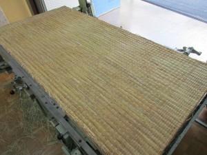稲わら畳床