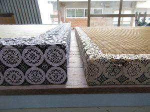 厚畳の側面