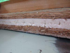 古い畳の断面