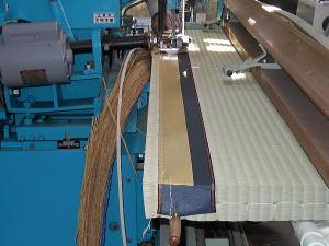 畳の製造 平刺しと床裁断