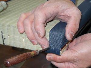 畳の製造 角仕上げ