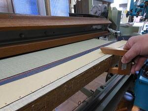 畳の製造 厚みチェック