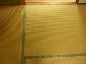 嫁さんの実家の畳 部屋入口 国産麻引き表