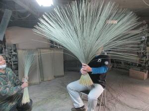 イ草の製織体験